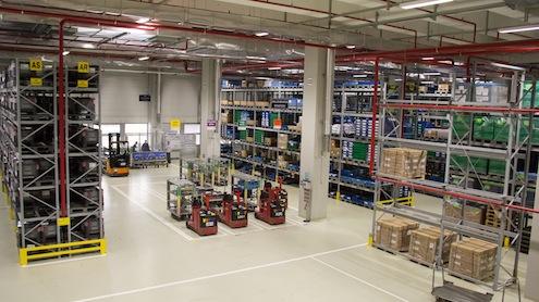 Bosch Türkiye, yılda 35 milyon adet ürün ihraç ediyor. Bunun %90'ı Avrupa'ya geriye kalan %10'luk kısmı ise Amerika, Kore ve Japonya'ya yapılıyor. 30'dan fazla araç markası için dizel ve benzinli enjeksiyon sistemleri üreten Bursa fabrikası, dünyada üretilen beş dizel araçtan birinin enjektörünü sağlıyor. Bosch, yüksek üretim adetinden kaynaklanan sevkiyat  ihtiyaçlarını yeni kurduğu Malzeme Akış Merkezi (MAM) ile karşılarken aynı zamanda  üretim tesislerinde 10 bin m2  fazladan alan açmış oluyor.