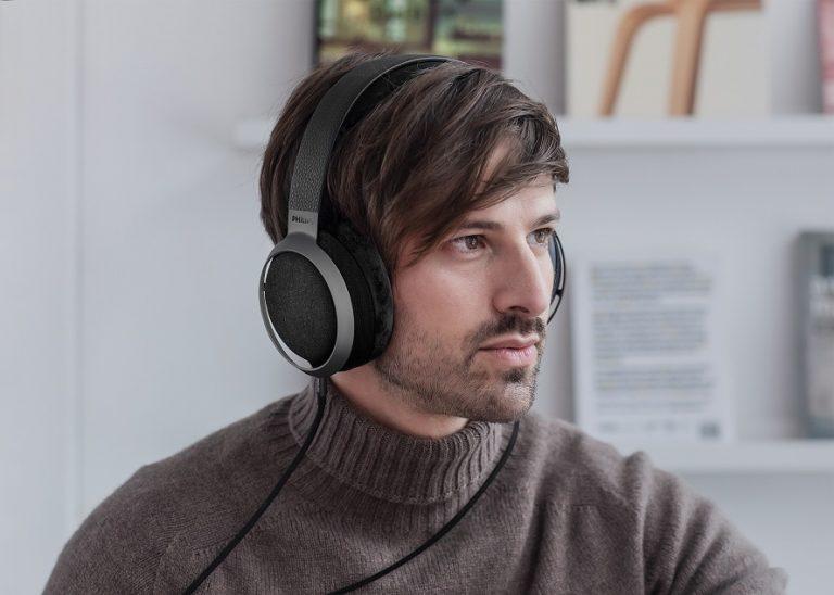 Müzik severler için özel olarak üretilen Philips Fidelio X3 kulaklıklar; olağanüstü performans, stil ve konforu bir arada sunuyor