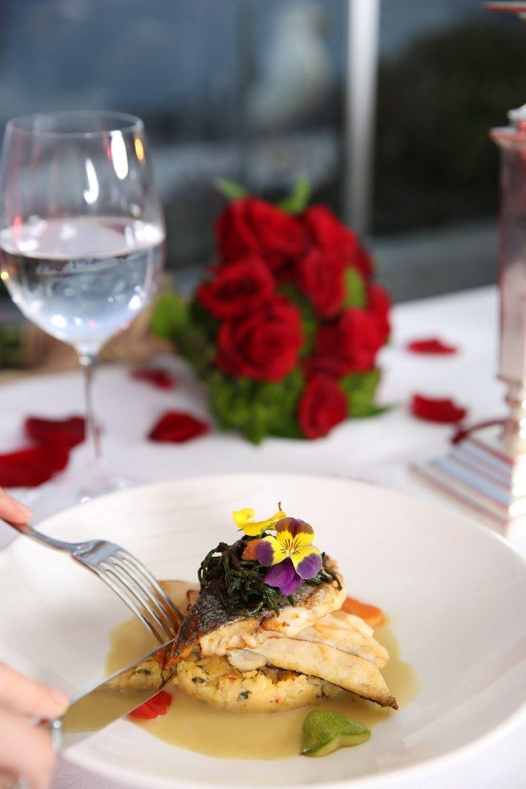 IZAKA Restaurant, Sevgililer Günü'nü Unutulmaz Bir Anıya Dönüştürmek İsteyenleri Bekliyor