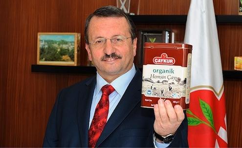 ÇAYKURGenel Müdürü İmdat Sütlüoğlu, kaçak çayınçok tüketildiğibölgelerindamak tadına yönelikçay ürettiklerini ancak beğenilmediğini söyledi.