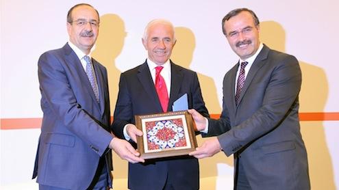 Kütahya Porselen Sanayi A.Ş. Yönetim Kurulu Başkanı Nafi Güral