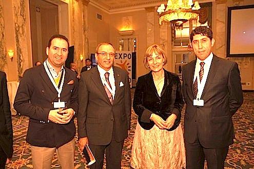 SOCAR Türkiye Başkanı (CEO) ve EXPO 2020 İzmir İşadamları Komitesi Başkanı Kenan Yavuz, New York'un ünlü Waldorf Astoria Oteli'nde SOCAR tarafından kiralanan salonda EXPO görüşmelerini gerçekleştirdi.
