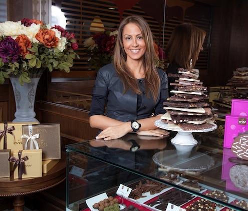 """Evvie Chocolate Yönetim Kurulu Başkanı Şebnem Görgülü Ekinci, """"Kurumsal şirketlerin toplu alımları ile sektörün canlanması özel günlerle bir araya gelince tüketim en üst seviyeye ulaşıyor"""" dedi."""