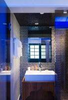 s1379413075_Sun_House__Bathroom_bearb