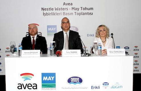 May Tohum Yönetim Kurulu Başkan Yardımcısı Hamdi Çiftçiler, Nestle Waters Türkiye Bilgi Sistemleri ve Teknolojileri Direktörü Nihal Topaloğlu , Avea Kurumsal İş Birimi Kıdemli Direktörü Tunç Taşman