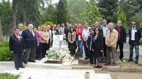 İzmir ekonomi basınının AytaçAbla'sı Gazeteci Aytaç Sefiloğlu vefatının 14. Yıldönümünde Narlıdere AşağıMezarlıkta mezarı başında düzenlenen bir törenle anıldı.
