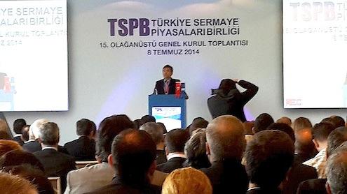 """Türkiye Sermaye Piyasaları Birliği (TSPB) Başkanı Attila Köksal, güçlü ve saygın yatırım kuruluşları olmadan güçlü bir sermaye piyasasının olamayacağını belirterek, """"Sermaye piyasası rekabetin daha da artacağı bir döneme girdi. Bu döneme ayak uyduramayacak şirket ortaklarının sektör dışına çıkmaya çalışmalarında yarar vardır"""" dedi."""