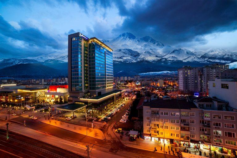Radisson Blu Hotel Kayseri, Dünyanın Zirvesinde