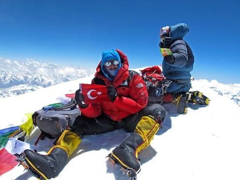 Milli Dağcı Tunç Fındık, Pakistan'daki Dünyanın En Yüksek 11 ve 13. Dağlarına Tırmanacak.