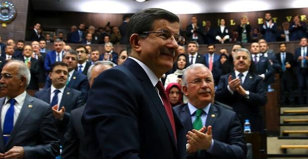 Davutoğlu: Sanayi performansı 2016'da iyileşerek devam edecek