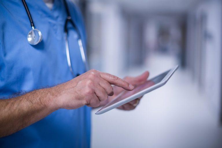 Doktorlar finansal süreçlerini Ovinot'la takip ediyor