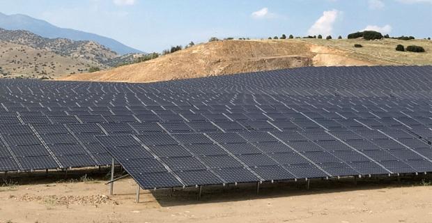 Panasonic dünyanın en büyük güneş enerji projesini İzmir'de gerçekleştirdi