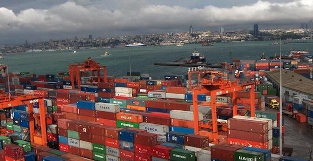 Dış ticaret açığı Aralık'ta ve yılın genelinde gözle görülür şekilde yükseldi