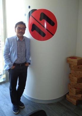 İzmir'e açılan yeni ofis ile e-ticaret sektöründe bir ilki gerçekleştirdiklerini belirterek daha fazla KOBİ'ye ulaşacaklarını söyleyen n11.com CEO'su Nak Kyun Chong, e-ticareti geliştirmenin yolunun girişimciliğin teşvik edilmesi ve uygun iş ortamlarının sağlanmasından geçtiğine inanıyor.