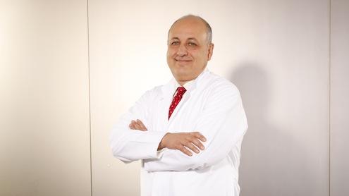 Liv Hospital Nefroloji Uzmanı Prof. Dr. Tekin Akpolat kan basıncını kontrol altına almaya engel olan durumları anlattı.