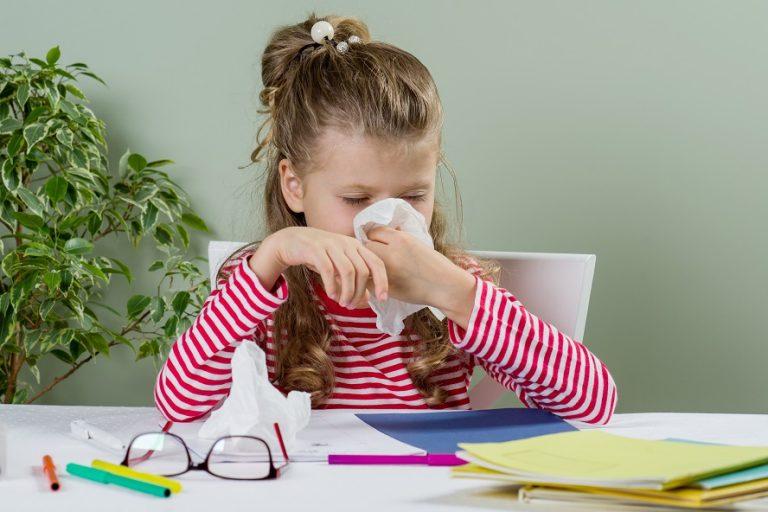 Ortak yaşam alanları okullardaki salgın hastalık riskinin büyüklüğü aileleri endişelendiriyor