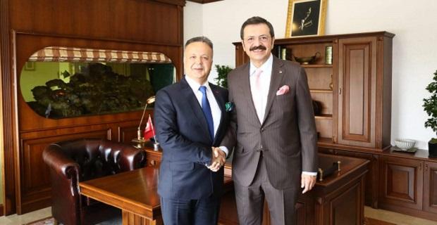 TOBB Başkanı Hisarcıklıoğlu'ndan TİM Başkanı Gülle'ye kutlama ziyareti