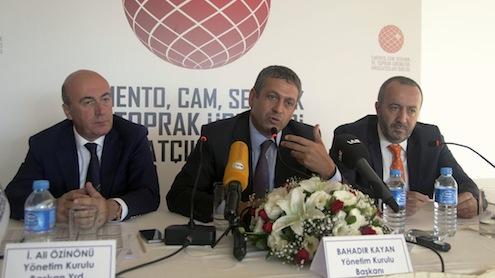 ÇCSİB Yönetim Kurulu Başkan Yardımcısı Ali Özinönü, ÇCSİB Yönetim Kurulu Başkanı Bahadır Kayan ve ÇCSİB Yönetim Kurulu Başkan Yardımcısı Haluk Sarıaltın.