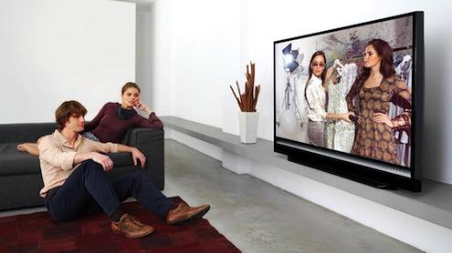 Büyük ekran TV satışları ile ilgili bilgi veren Gold Teknoloji Marketleri, 50 inç ve üzeri ekran boyutuna sahip TV satışlarının önceki yıla göre yüzde 160 arttığını belirtti. Halen satılmakta olan TV'lerinin yüzde 45'inin 42 inç ve üzeri olduğuna dikkat çeken Gold, 60 inç üzeri TV fiyatlarında görülen yüzde 37'lik düşüşün de talebi etkilediğini kaydetti.