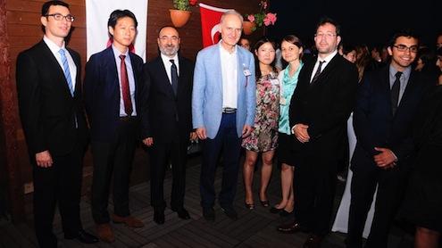 Aksan Hukuk Bürosu CEO'su Güray Erol, Japonya İstanbul Başkansolosluğu Ekonomi Ateşesi Kenji Nishizaki, Muhammet Aksan, İTO Meclis Başkanı Şekip Avdagiç ve diğer konuklar birarada.