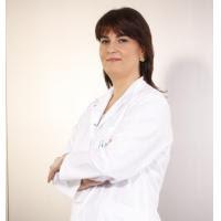 """Liv Hospital Göğüs Hastalıkları Uzmanı Prof. Dr. Ferah Ece astımın tedavi edilebilir bir hastalık olduğuna dikkat çekiyor. Prof. Dr. Ferah Ece """"Düzenli tedavi gören hastaların büyük çoğunluğunda, astım yaşamı olumsuz yönde etkilemez. Buna karşılık eksik ya da düzensiz tedavi; astım hastalığının giderek ağırlaşması ile hava yollarında ve çevresinde oluşan geriye dönüşümsüz yeniden yapılanmaya neden olur"""" diyor."""