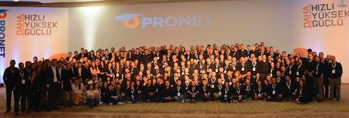 Pronet Güvenlik'in 30 ilden 65 bayiini ve 500'e yakın çalışanını buluşturan vizyon toplantısı Antalya'da gerçekleşti. Bu yıl dördüncüsü düzenlenen etkinliğin açılış konuşmasını CEO Alp Saul yaparken, katılımcılar skeç ve müzikle renklenen etkinlikte eğlenceli saatler geçirdi.