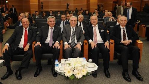 Engin Koyuncu(İSO Meclis Onur Üyesi), Erdal Bahçıvan ( İSO Başkanı), Hüseyin Aydın (Türkiye Bankalar Birliği Başkanı), İsmail Gülle (İSO Meclis Başkan Yardımcısı), Memduh Hacıoğlu (İSO Meclis Onur Üyesi)