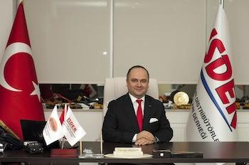 """İSDER Genel Sekreteri Faruk Aksoy, """"İhracat yapan birçok sektör geçen yıl büyüme kaydedemedi. Makine sektörü ise yüzde 7 oranında bir büyüme gerçekleştirdi"""" dedi."""