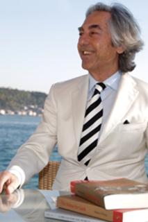İtalyan ekonomist, sosyolog, eğitmen ve işadamı Stefano D'Anna'ya göre dünyaya ve Türkiye'ye yeni bir lider kuşağı yaratma zamanı geldi.