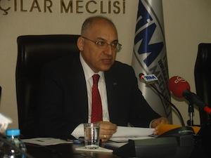 Türkiye İhracatçılar Meclisi (TİM) Başkanı Mehmet Büyükekşi, Türkiye'nin ihracatının Mart ayında, geçen yılın aynı ayına göre yüzde 4,3 artışla 13 milyar 14 milyon dolara, ilk 3 aylık ihracatın ise yüzde 6,2 artarak 38 milyar 607 milyon dolara yükseldiğini bildirdi. Büyükekşi, ihracatçı birliklerinin kaydından muaf ihraç kalemleri hariç, net mal ihracatının ilk 3 aydaki birikimli artış performansının yüzde 5,8 olarak hesaplandığını açıkladı.