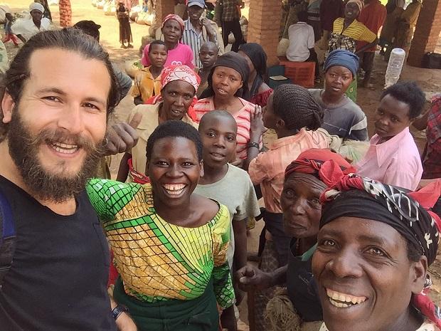 Bisikletle Afrika'nın bütün ülkelerini dolaşıp belgesel çekecek