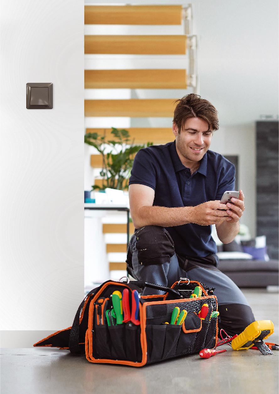 <strong>Schneider Electric; yaşam ve çalışma alanlarındaki bağlanabilirliğe, yeni bir tasarıma sahip Asfora EM anahtar-priz serisi ile katkıda bulunuyor!</strong>