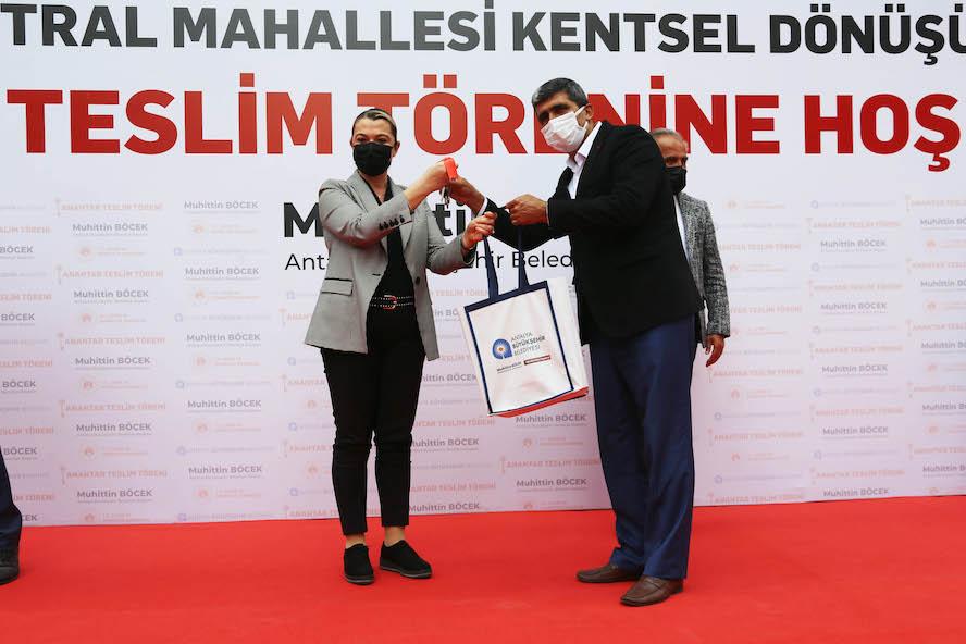 <strong>Sur Yapı Antalya'da 678 daire daha teslim edildi</strong>