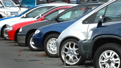 Yılsonuna kadar otomobil fiyatlarında büyük artış beklenmiyor