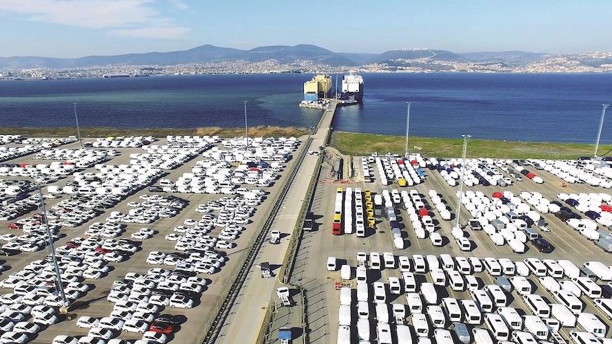 Otomotiv ihracatı yarı iletken çip ve bayramdan olumsuz etkilendi