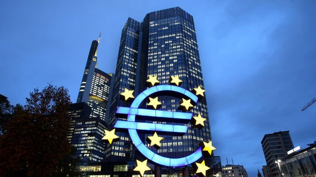 <strong>ECB: Getiri eğrisi kontrolü ihtiyacı azalırken, aksiyon beklenmiyor…</strong>